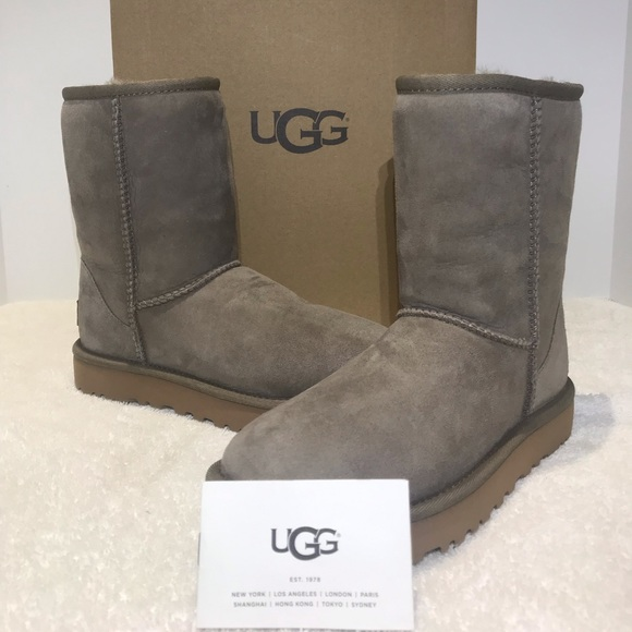 86a8531c6d4 UGG Classic Short II Boots Style 1016223 Brindle NWT